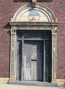 paramount-door
